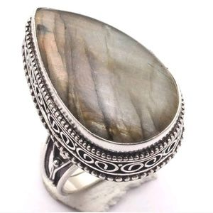 New Fiery Labradorite Vintage Style Silver Ring.